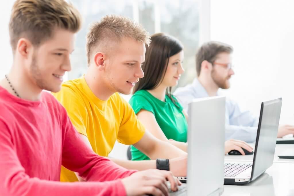 programista tozawód przyszłości